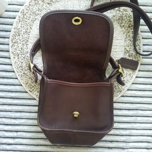 Coach Bags - Vintage Coach Leather Crossbody Style 9965